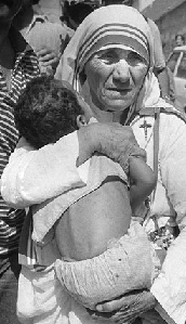 Mother-Teresa-Holding-Child